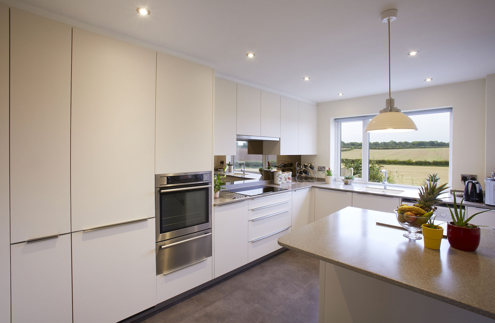 Modern fitted kitchen leeds 6