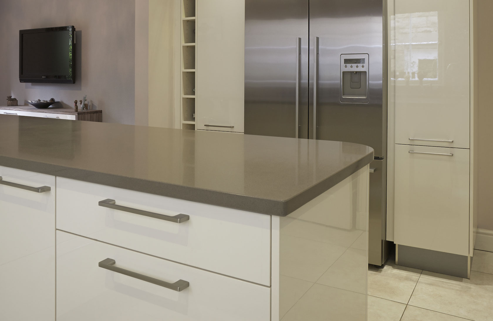 Modern fitted kitchen leeds 7