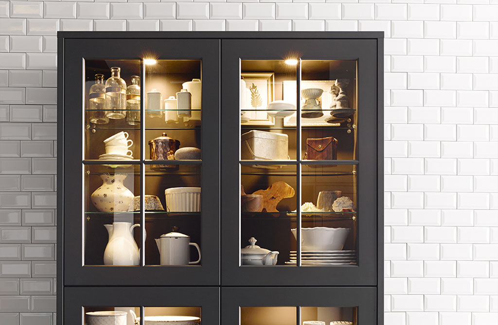traditional dark fitted kitchen cabinet